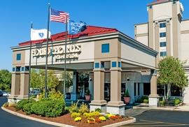 Four Points Sheraton Boston Logan Airport Four Points By Sheraton Airport Hotels With Free Parking Transfers